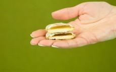 Biszkopty Jaffa z galaretką w białej czekoladzie