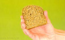 Kromka chleba ze skiełkowanego ziarna pszenicy