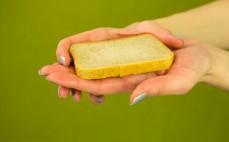 Chleb tostowy z niełuskanym ziarnem prosa