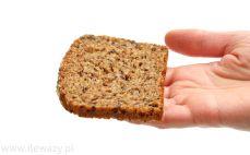 Kromka chleba z sezamem