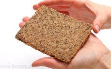 Chleb z siemieniem i otrębami