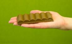 Napowietrzona czekolada mleczna i biała