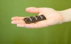 Rządek belgijskiej ciemnej czekolady 85% ze stewią