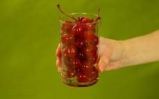 Szklanka czereśni w syropie - koktajlowych