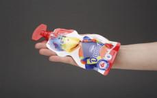 Danonek, jogurt o smaku truskawkowym w saszetce