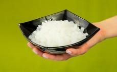 Porcja ugotowanego ryżu konjac
