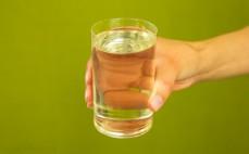 Szklanka rafinowanego oleju kokosowego