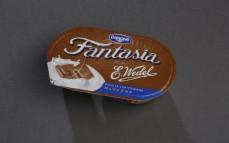 Jogurt Fantasia z czekoladą mleczną