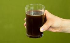 Porcja termogenicznego napoju o smaku coli Fatburner