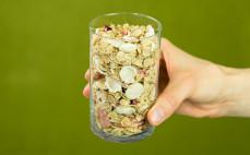 Szklanka płatków zbożowych Fital truskawka malina wiśnia