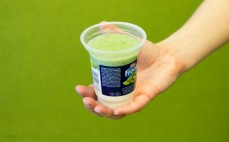 Porcja jogurtu Froop z wsadem kiwi