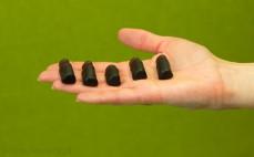 5 żelków owocowych o smaku napoju Frugo mocno czarne