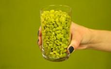 Szklanka ugotowanego zielonego grochu