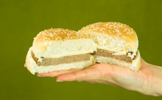 Hamburger wieprzowy w bułce Konspol