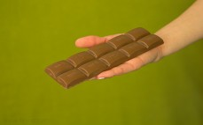 Tabliczka czekolady Lindt Hello Caramel Brownie