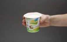 Porcja jogurtu kokosowego naturalnego PlantON z cukrem