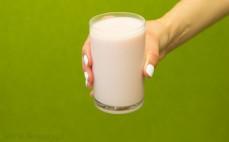 Szklanka jogurtu pitnego ze stanolami roślinnymi