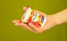 Porcja jogurtu truskawkowego Serduszko
