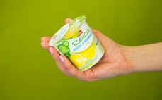 Porcja jogurtu z maślanką cytryna