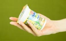 Porcja jogurtu z miodem