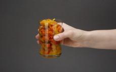 Porcja warzyw kalafior i papryka z kurkumą