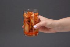 Porcja kapusty kiszonej koreańskiej kimchi