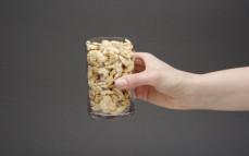 Szklanka kostki sojowej