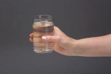 Szklanka galaretki krystalicznej w proszku, smak cytrynowy