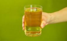 Szklanka napoju Lipton Ice Tea Green Tea