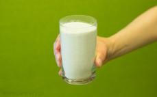 Szklanka pełnoziarnistej mąki ryżowej