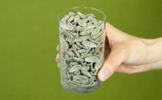 Szklanka ugotowanego makaronu gryczanego gnocchi
