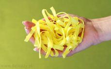 Garść makaronu jajecznego Tagliatelle