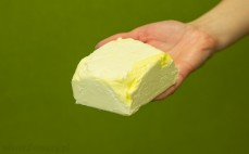 Kostka margaryny o zmniejszonej zawartości tłuszczu 60 %