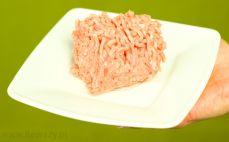 Porcja mielonego mięsa wieprzowo wołowego