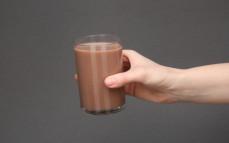 Szklanka napoju mlecznego Snickers