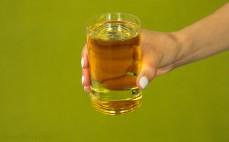 Szklanka oleju z pestek winogron