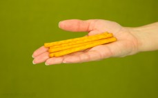 5 paluszków krakersowych Crixy czerwona papryka