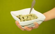 Porcja wielozbożowych płatków z algami Top fit