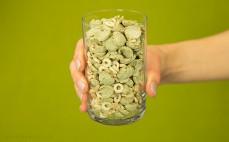 Szklanka wielozbożowych płatków z algami Top fit