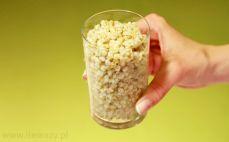 Szklanka ugotowanych ziaren pszenicy