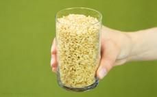 Szklanka brązowego ryżu bez gotowania