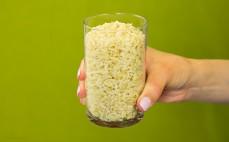 Szklanka ugotowanego pełnoziarnistego ryżu parboiled