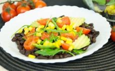 Sałatka z czarną fasolą