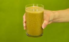 Szklanka proteinowego smoothie o smaku Cafe frappe