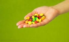 Garść cukierków Skittles Fruits
