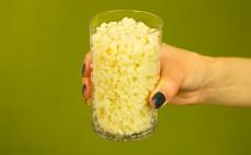 Szklanka ugotowanej białej soczewicy Urid