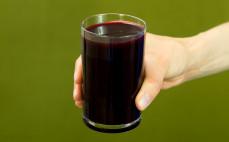 Szklanka soku z buraków kwaszonych