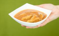 Porcja sojowego strogonowa wegetariańskiego