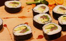 Sushi z surowym tuńczykiem