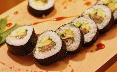 Sushi z tatarem z tuńczyka
